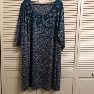 Isabel + Alice Size 3X shift dress